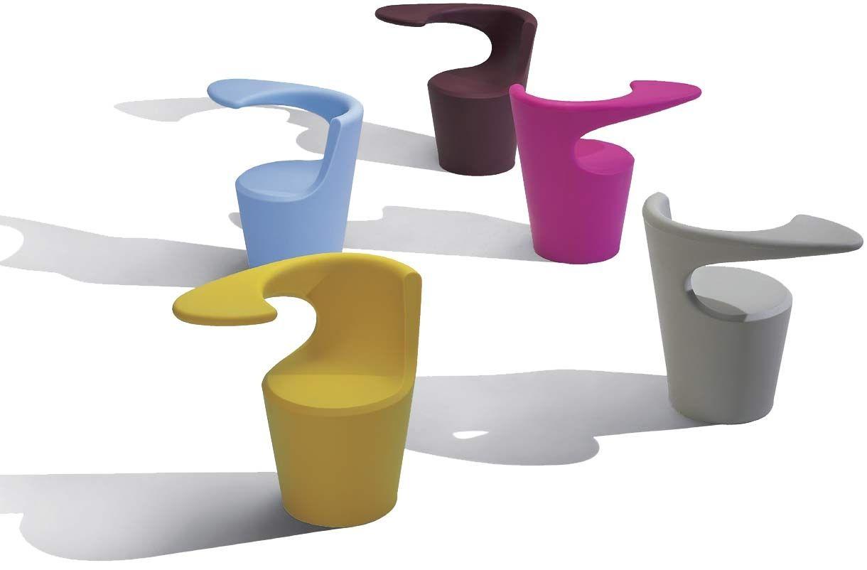 Divina la poltrona design monoblocco del brand felice for Poltrona designer