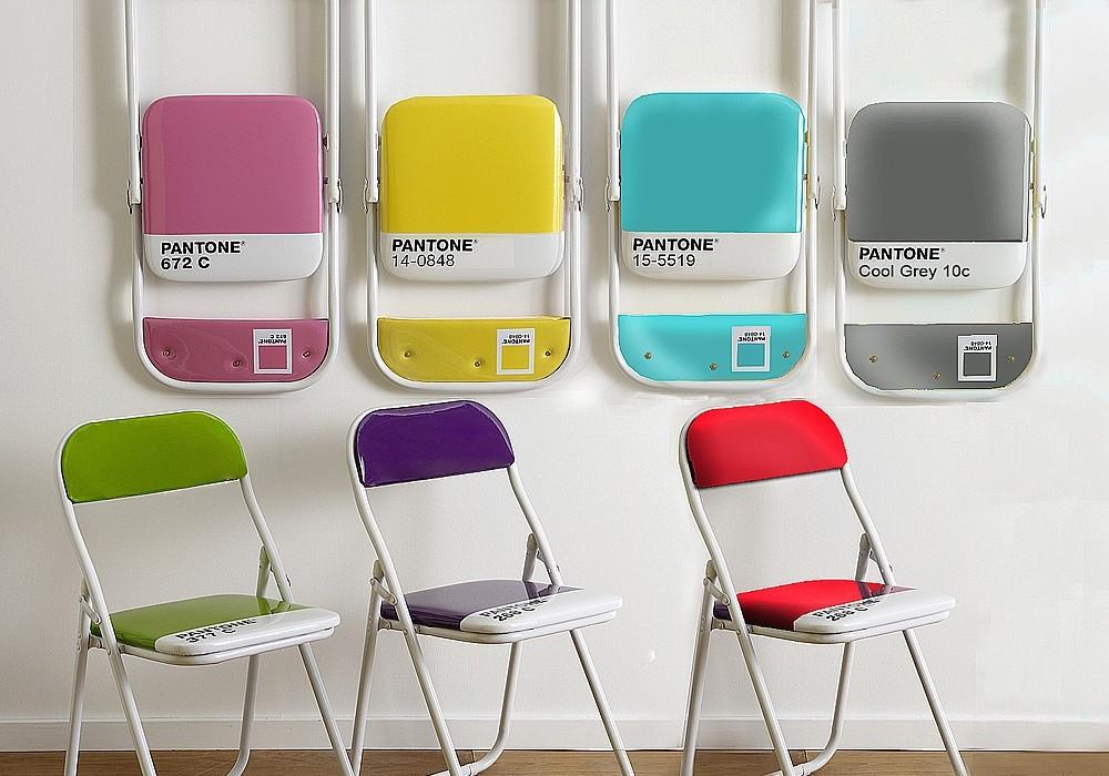 Sedie pieghevoli design il bestseller pantone chair di for Sedie outdoor design