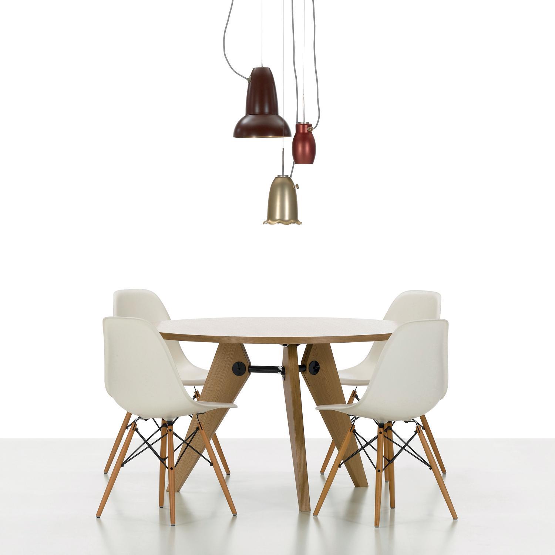 Plastic armchair le sedie in plastica di charles eames for Sedie di design 2017