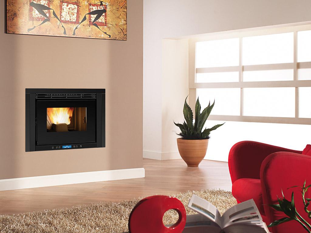 Inserti camino design a legna e pellet arredare con stile for Comfort house
