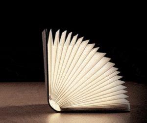 Lumio la lampada libro che illumina con stile ogni ambiente