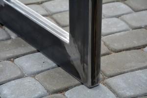 dettaglio-gamba-tavolo-acciaio
