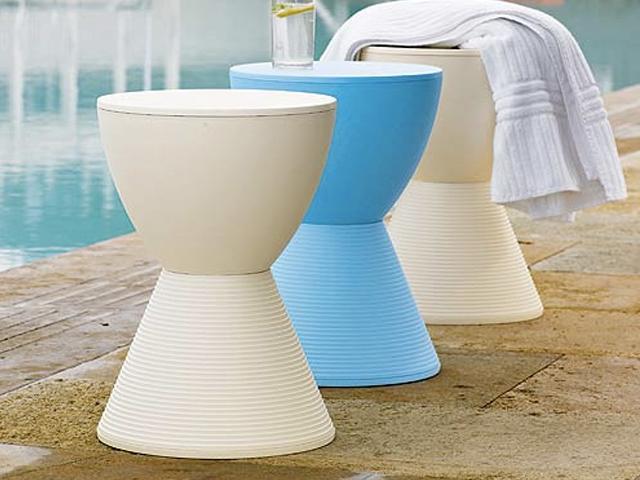 Sgabello e comodino insieme prince aha di kartell for Sgabello bagno design