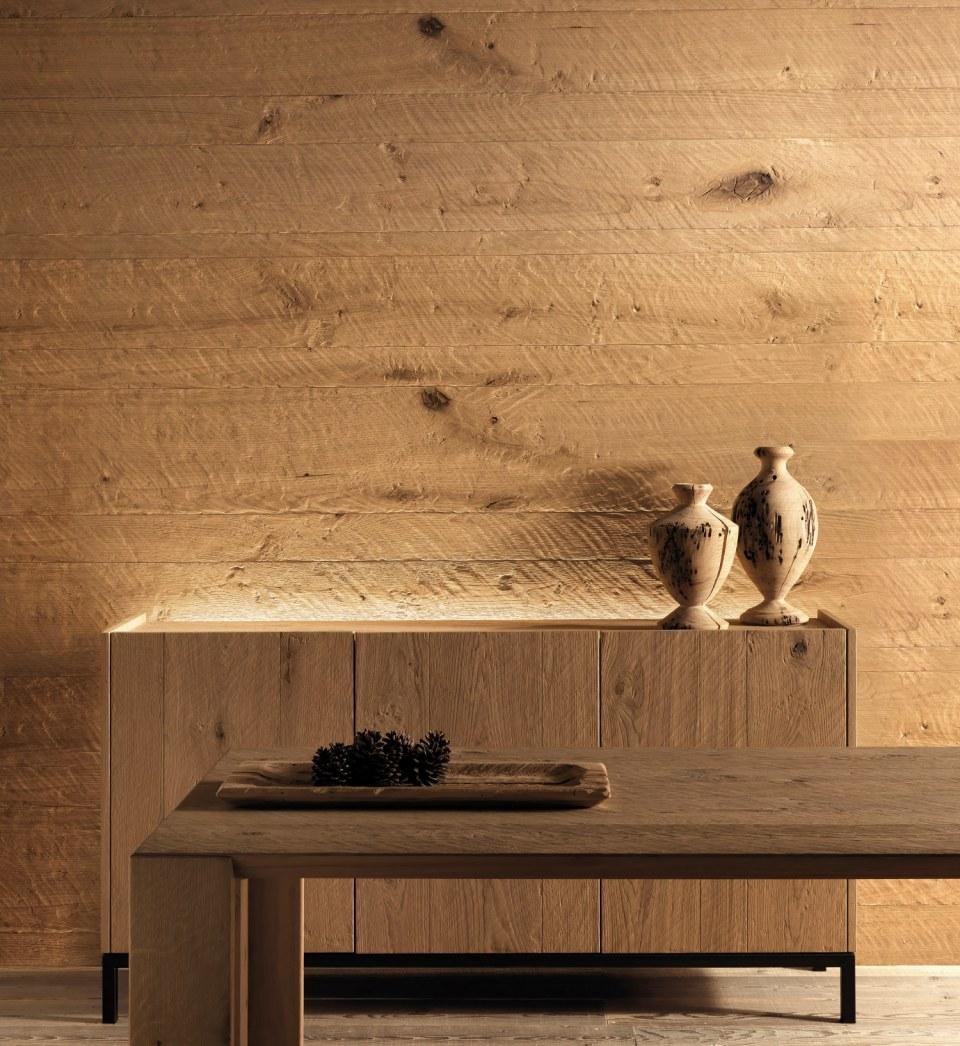 Boiserie rivestimento pareti in legno piallato a mano arredare con stile - Rivestire parete con legno ...