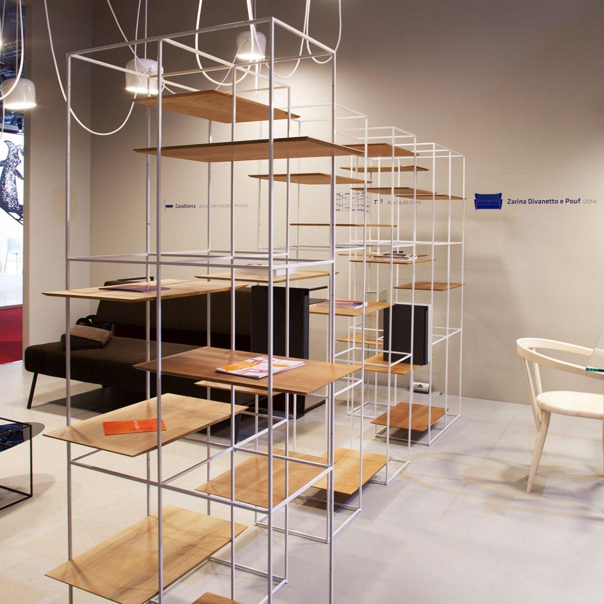 Libreria Bifacciale A Soffitto librerie bifacciali per dividere e caratterizzare gli spazi