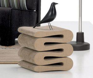 Wiggle Stool: una seduta e un piano di appoggio ideale per il salotto