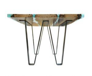 Tavoli di design in legno di briccole e resina