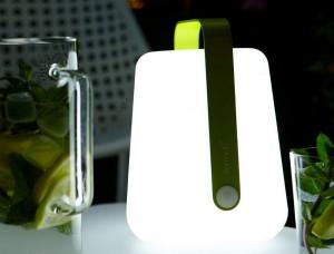 Scopri lampada da tavolo di bloom made in design italia