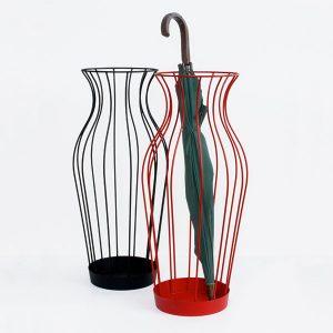 portaombrelli-in-metallo-hydria-a-forma-di-vaso