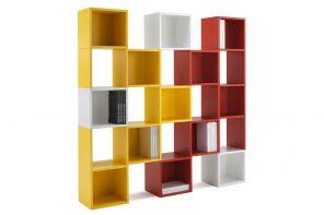 Una libreria colorata e modulare per arredare divertendosi