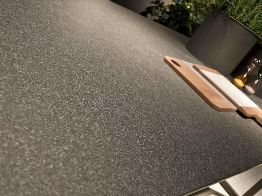 top-cucina-in-gress-grigio-effetto-pietra | Arredare con stile