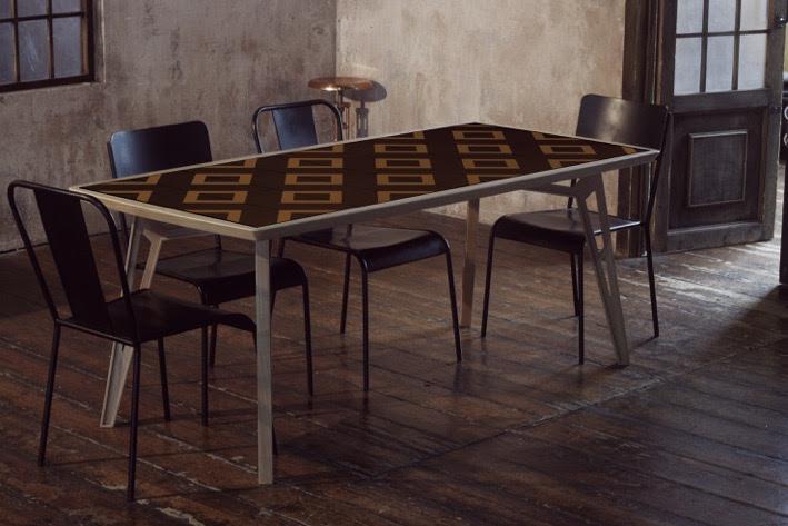 Mosaicool il tavolo mutasuperficie che stimola la creativit arredare con stile - Tavolo con piastrelle ...