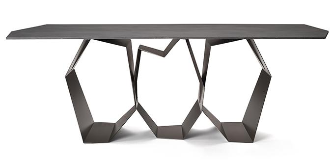Quasimodo Il Tavolo Materico E Contemporaneo Di Ronda