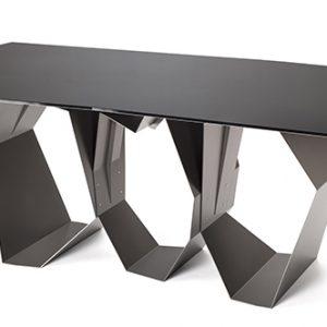 Quasimodo: il tavolo materico e contemporaneo di Ronda Design